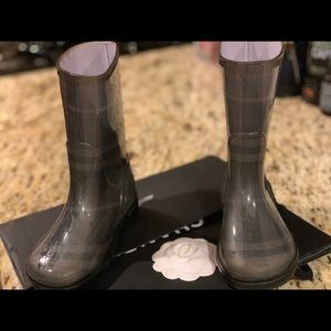 Burberry Rain boots size 8.5.